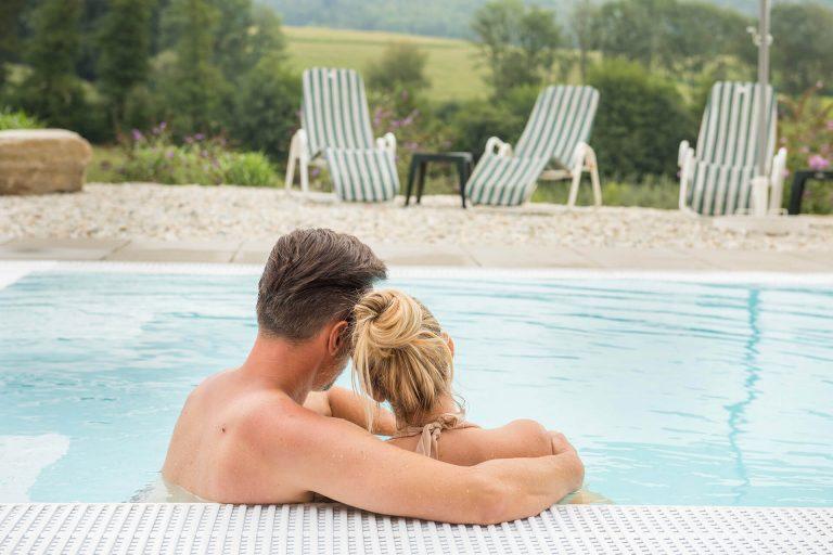 Romantikurlaub in der Grünen Au zum Jahrestag: Wo Erwachsene wunderbar entspannen können? Im Erwachsenenhotel Grüne Au in der Steiermark natürlich!